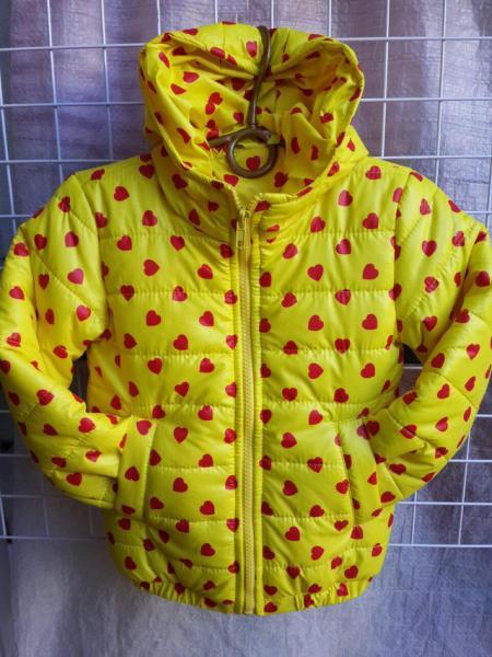 Детская деми куртка на девочку 2-6 лет, желтая сердечки
