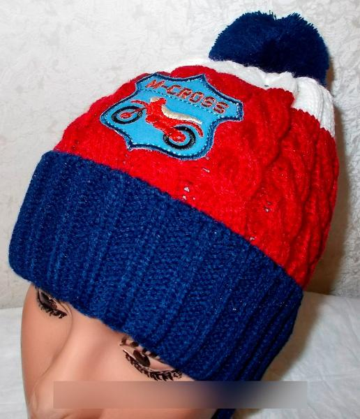 Вязанная шапочка на флисе, на 2-4 года.