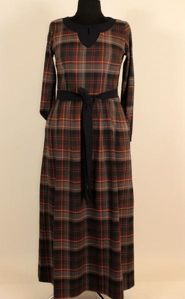 Теплое длинное платье в клетку с красивым вырезом по горловине 52-58 р ( разные цвета )