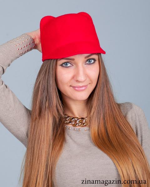 Шляпка с ушками (красная)