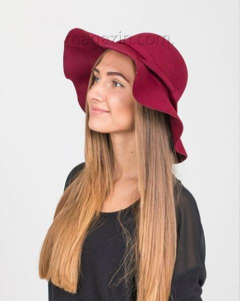 Широкополая шляпа бордо