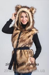 Фото Меховая жилетка с капюшоном и ушками Меховая жилетка с капюшоном и ушками -  Пушистый мишка