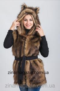 Фото Меховая жилетка с капюшоном и ушками Меховая жилетка с капюшоном и ушками - Волчица