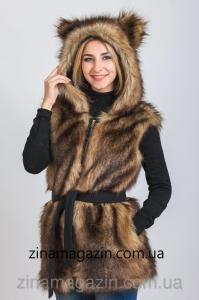 Фото Меховая жилетка с капюшоном и ушками Меховая жилетка с капюшоном и ушками - Мишка