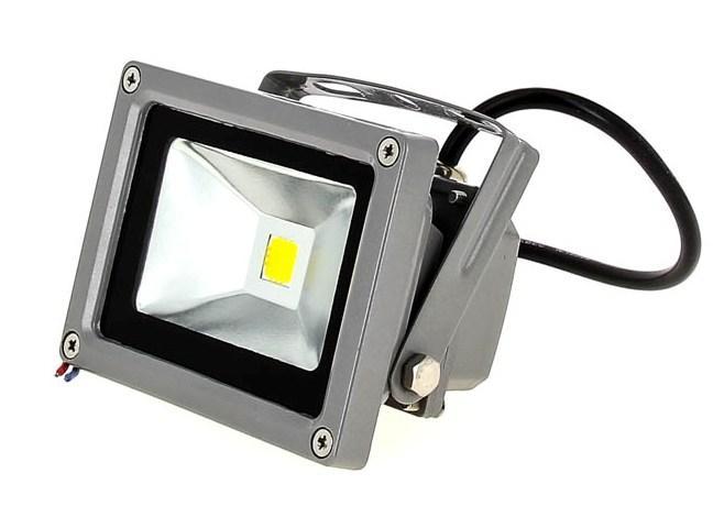 Светодиодный прожектор 10W питание 12V