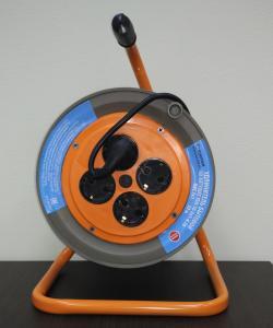 Фото  Удлинитель на катушке 4-местный SUNTEK 2000 Вт (макс 2200 Вт) ГОСТ ПВС-ВП 3х1,0 черный с заземлением