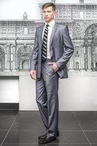 Фото Костюмы Классический костюм светло-серого цвета.