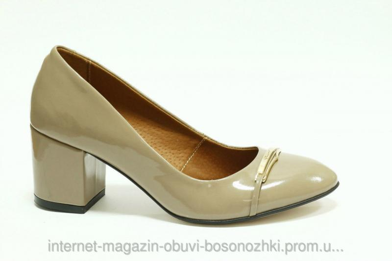 Женские туфли бежевый лак