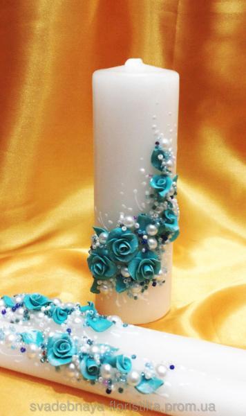 Набор свечей в бирюзовом цвете.