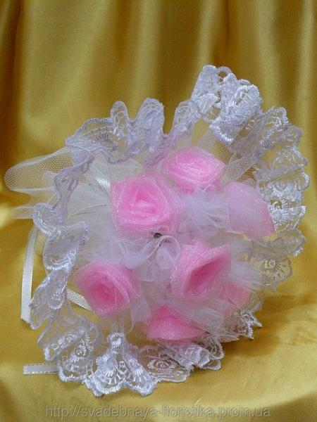 Букет невесты розовый.