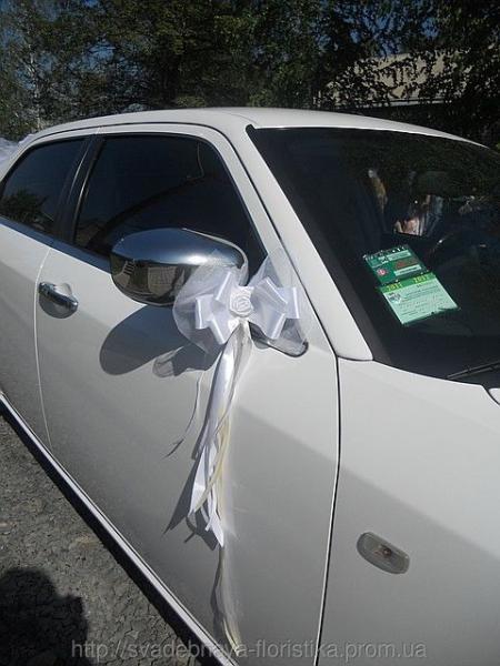 Свадебные украшения для машины