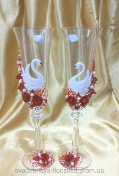 """Свадебные бокалы """"Лебеди с красными розами"""""""