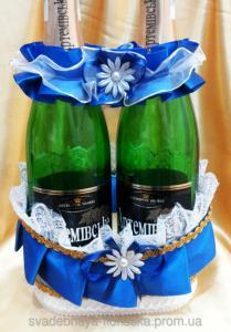 Фото Украшения на свадебное шампанское Корзинка для свадебного шампанского