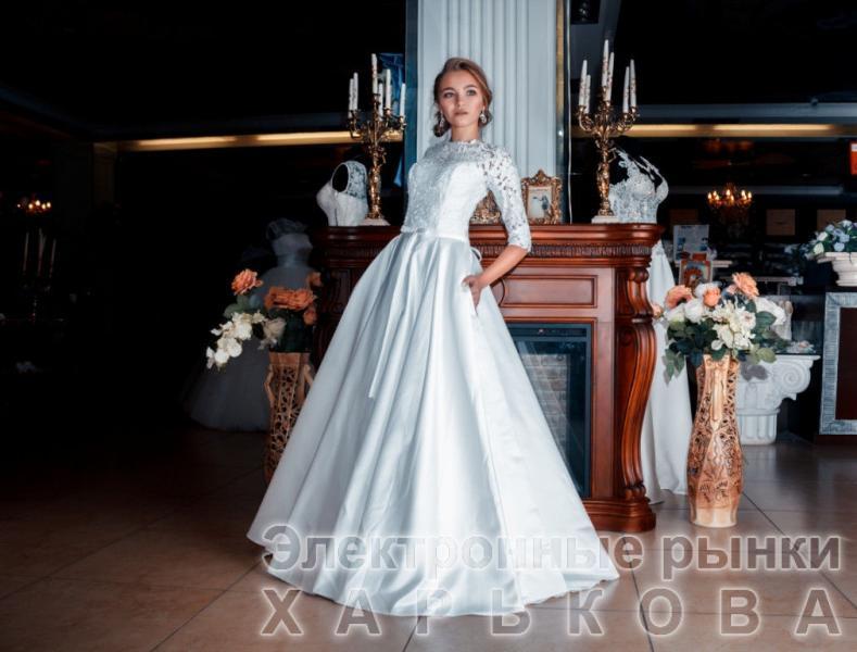 Свадебное платье Викки лепестки