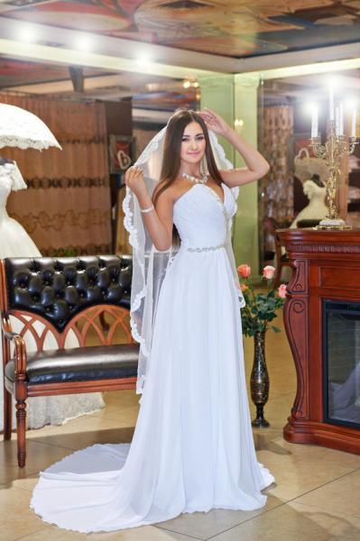 Свадебное платье со шлейфом ампир Артемида
