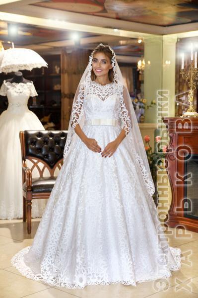 Свадебное платье со шлейфом Перфекта