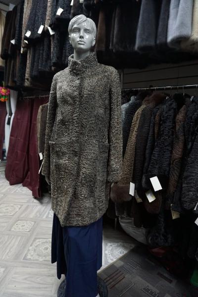 """Полупальто из каракуля """"Резной карман"""""""