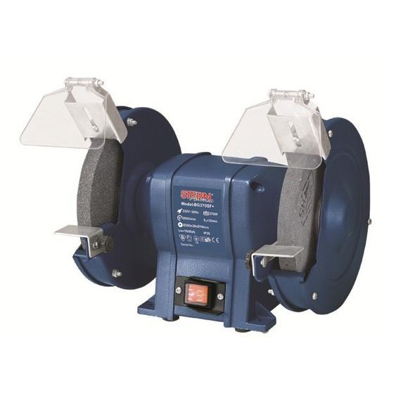 Заточной станок Stern, BG - 370 SF+ Гарантийный срок мес 12 Вес кг 0,65 Мощность  2000 Вт Вес  0,65 кг Комплектация  - Кейс•- Насадки для сопла - 4 шт.•- Насадка для скребка - 1 шт.•- Рукоятка скребка с крепежом - 1 шт. Класс инструмента  бытовой Гарантия