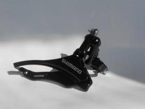 Фото Переключатели передние  Перекидка передняя SHIMANO FD-TZ 30 (тяга в низ)