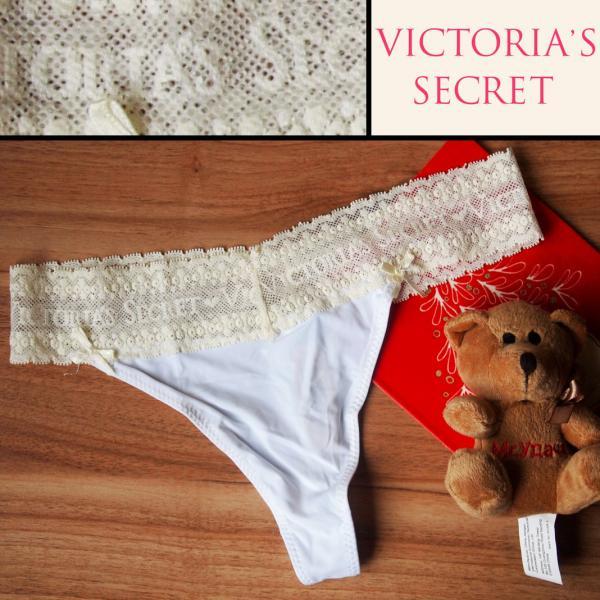 Стринги  Victoria Secret белые с белой гипюровой резинкой