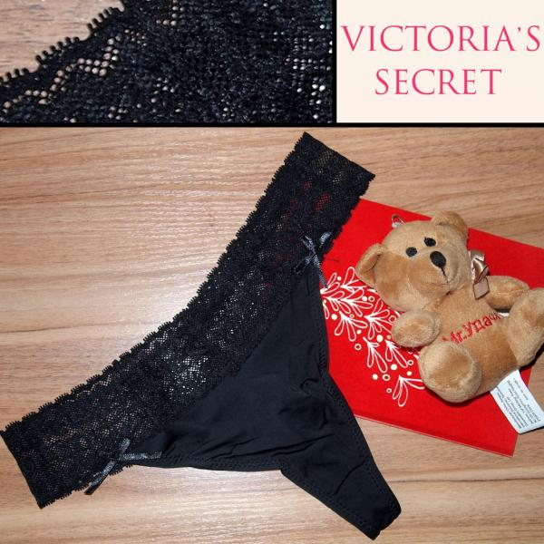 Стринги  Victoria Secret чёрные с чёрной гипюровой резинкой