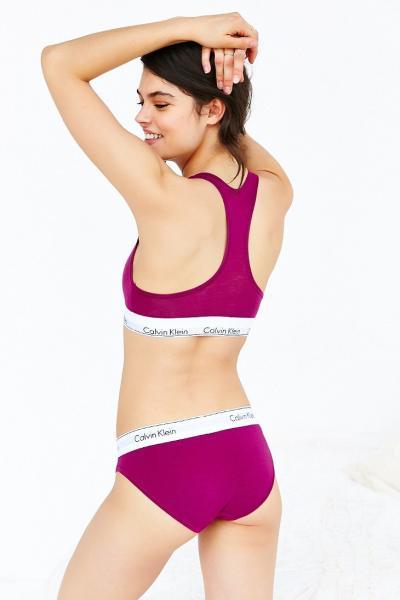 комплект Calvin Klein женский фиолетового цвета, трусики + топ