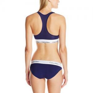 Фото Комплект женский Calvin Klein трусики плюс топ комплект Calvin Klein женский чёрного цвета, трусики + топ
