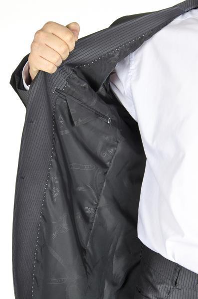 Фото Костюмы Костюм темно-серый в полоску с отливом