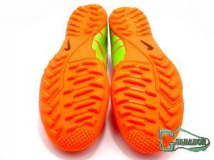 Фото ФУТБОЛЬНАЯ ОБУВЬ, СОРОКОНОЖКИ (МНОГОШИПОВКИ) Сороконожки (многошиповки) Nike Mercurial Victory (0170)