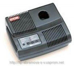 Автомобильное зарядное устройство Ryobi CB18CL