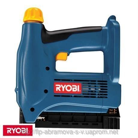 Степлер аккумуляторный Ryobi CNS1801M