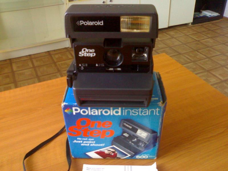 Фотоаппарат «Polaroid instant 600»