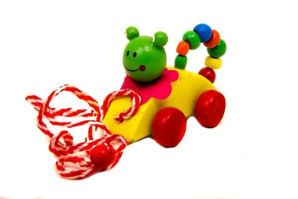 Деревянная игрушка Каталка MD 0722 (288шт) 12 видов(животные,питицы,насекомые), в кульке, 9,5-7-6см   Артикул: 13029018
