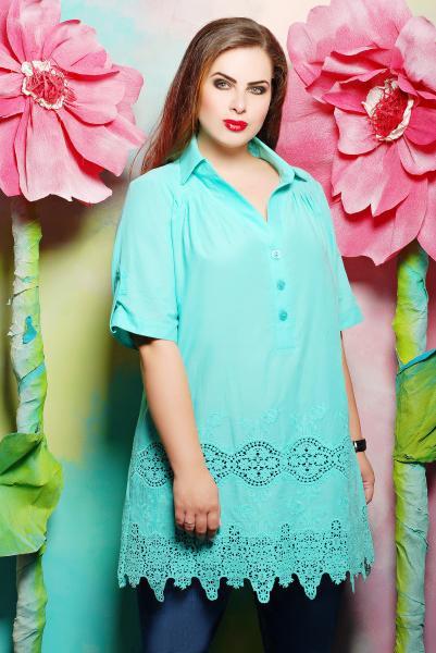 Блуза из батистового шитья цвет бирюзовый  ИВАННА