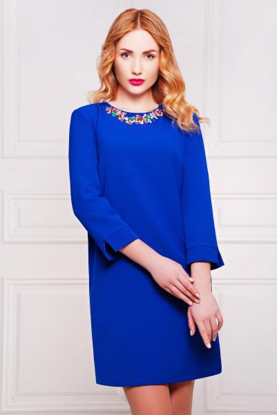 Платье с ярким колье цвет электрик  АКИРА