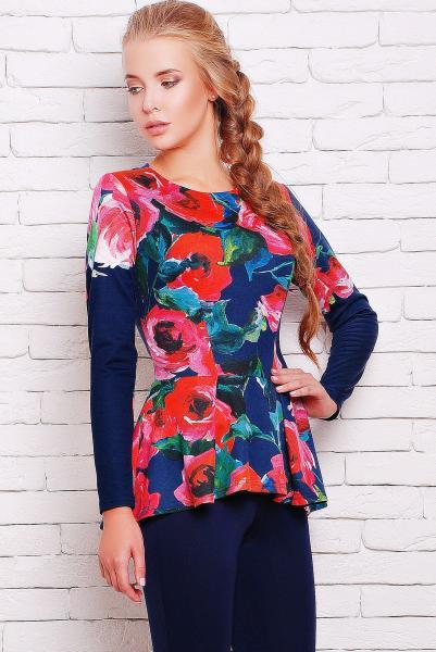 Блуза с баской яркие розы цвет синий  ШЕРИЗ