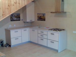 Фото  Кухня для дачи