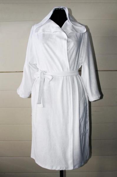 Халат махровый белый запах Капюшон, арт. 0107, р-ры: 50-52, по 2 твара