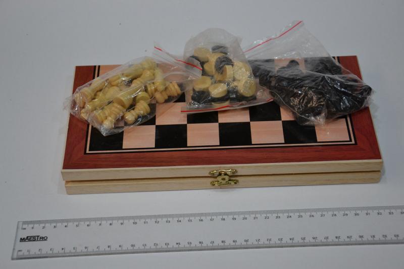 Шахматы, шашки, нарды набор настольных игр  (доска-дерево,фигурки-дерево, р-р доски 30*30см)