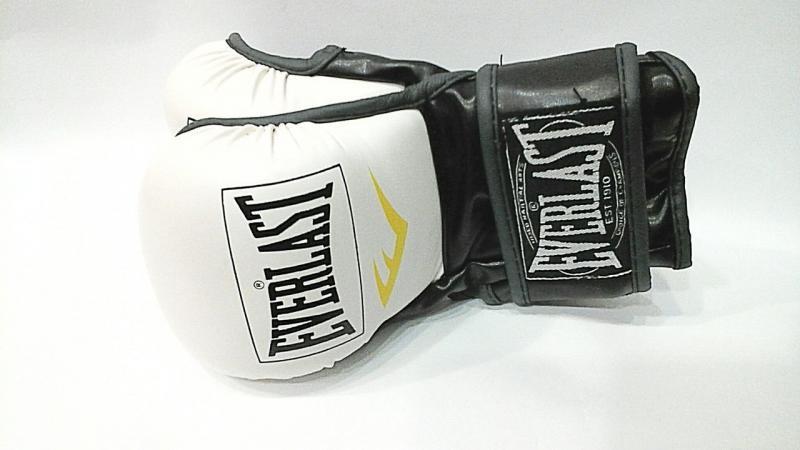 """Перчатки для смешанных единоборств MMA """"EVERLAST""""(р-р M, белый-черный)"""