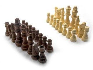 Фигуры шахматные, деревянные.
