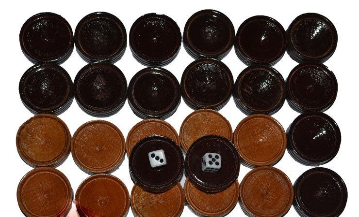 Набор игровых фишек и кубиков
