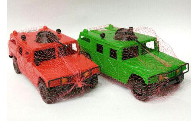 Машинка пластмассовая