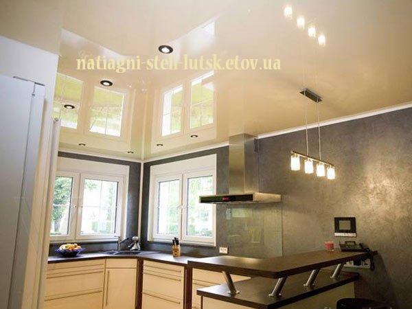 Натяжні стелі на кухні Луцьк
