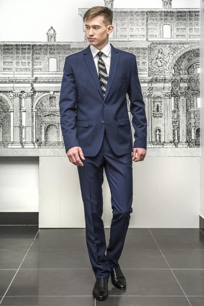Молодежный костюм синего цвета