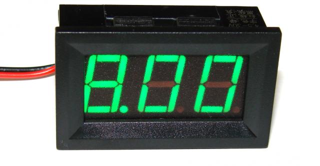 Вольтметр 4,5....30 В зелёный индикатор