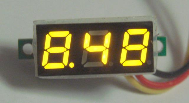 Вольтметр с переменной точкой ( жёлтый )