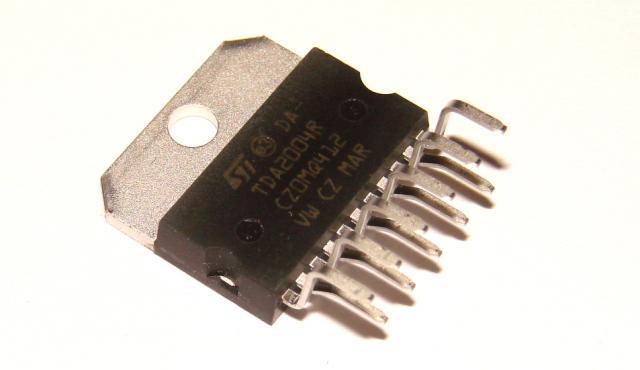 Микросхема TDA2004