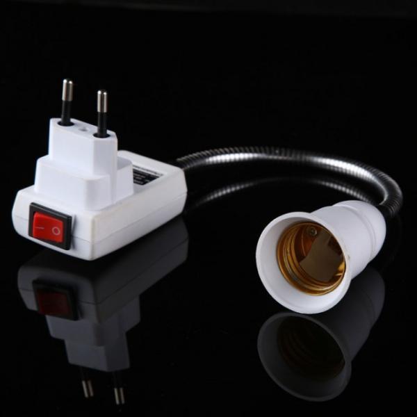 Патрон для включения лампы в розетку