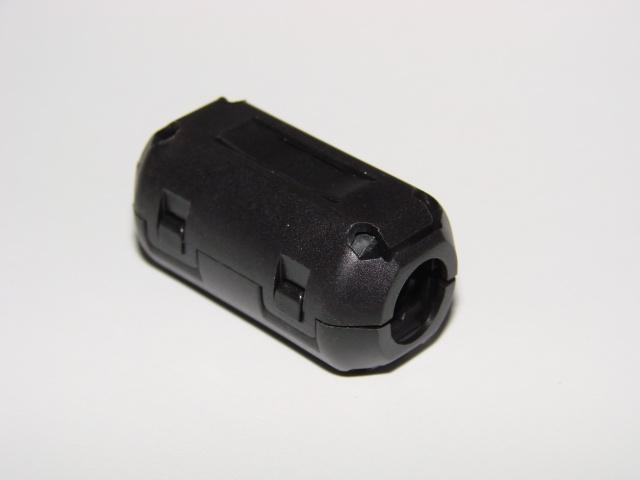 Феррит в корпусе на кабель 9 мм.